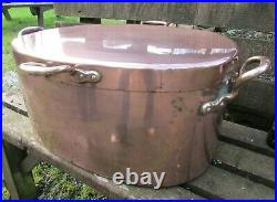 Large antique oval COPPER COOKING POT & lid 19th century country house 55x37cm